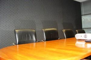 Noisy Boardroom